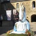 prière devant Marie